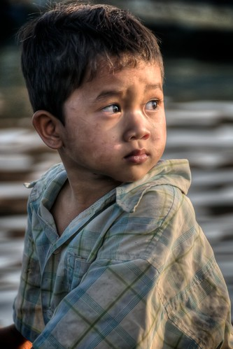 Boy at Tonle? Sap