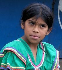 Girl in green dress - Muchacha; Alto Quiel, Boquete, Panam (Lon&Queta) Tags: people latinamerica portraits native panama centralamerica 2007 amricalatina chiriqui centroamerica chiriqu ngbebugl gpsapproximate