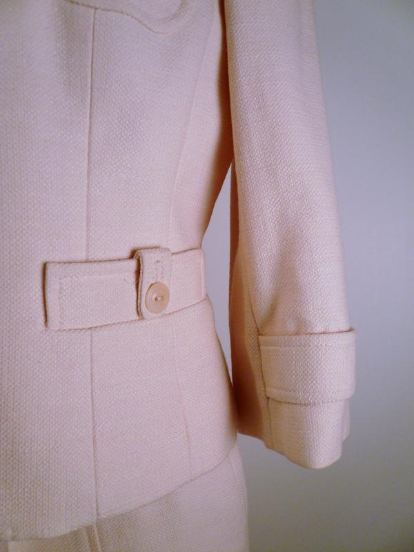 pink_LOFT_suit_sleeve_detail