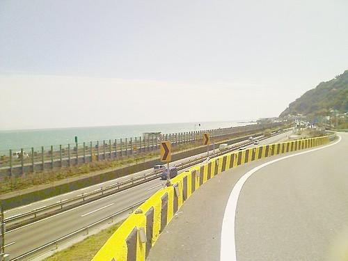 【東海道西走】【ジオタグ】東名と1号線と東 海道線を臨む ここはさながら、日本の脊髄