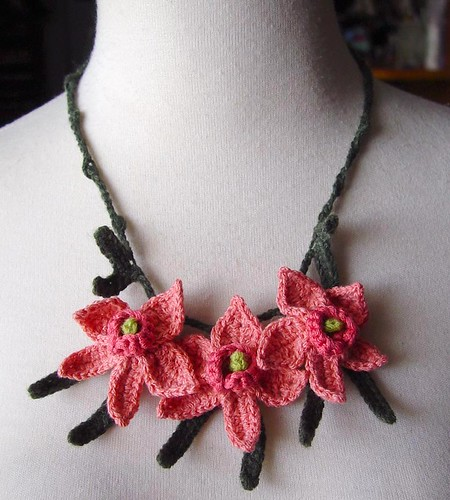 Crochet Peach Silk and Cashmere Orchid Flowers Necklace