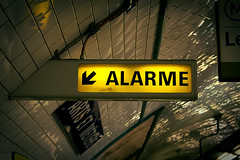 alarm (hh96) Tags: light paris alarm subway metro beware mtro tube signal alert