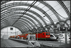 Dresden (Bert Kaufmann) Tags: red station train germany rouge deutschland dresden blackwhite gare zwartwit perron zug bahnhof explore hauptbahnhof blacknwhite bahn rood allemagne trein duitsland selectivecolour dresdenhauptbahnhof explored hauptbahnhofdresden withalittletouchofcolour