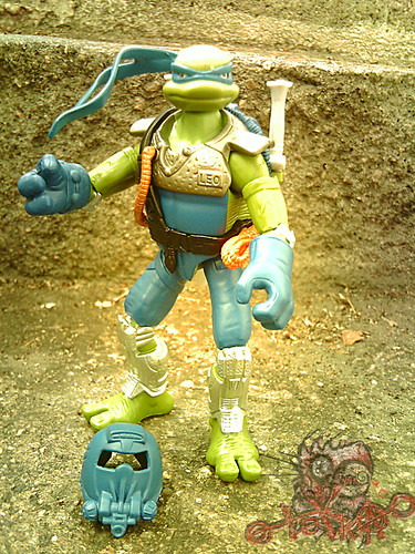 Teenage Mutant Ninja Turtles 'SLUDGE RUNNERS' :: LEONARDO // Leo front  (( 2010 ))