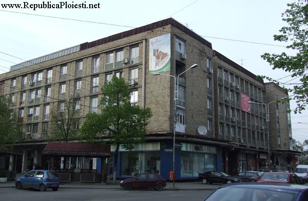 Blocul comunist de pe locul Palatului Bailor