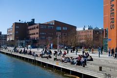 Sunny Afternoon (Rudi Pauwels) Tags: sunshine 35mm gteborg break sweden schweden gothenburg sverige nikkor chalmers lindholmen hisingen d80 nikond80 lvstranden lvsnabben gtalven lindholmencampus vstrafiken