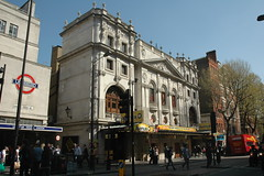 Wyndham's Theatre WC2 (Jamie Barras) Tags: uk england london architecture century buildings victorian westend 19th avenueq 1890s theatreland findesiecle