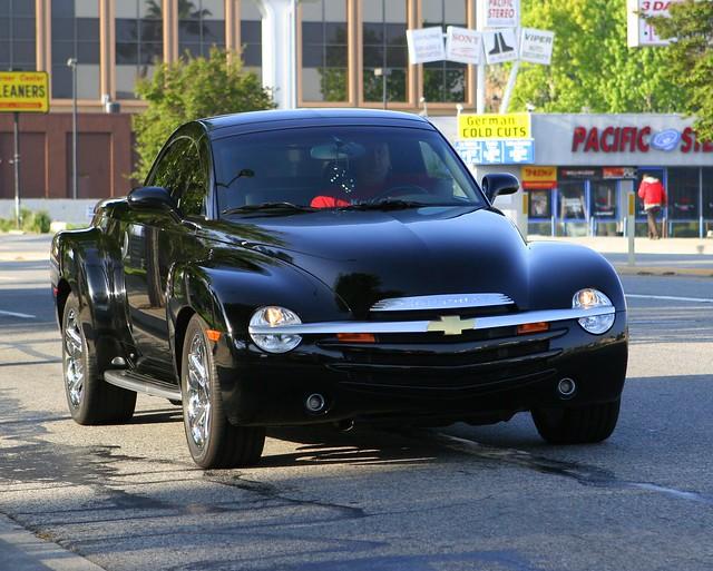 auto ca black chevrolet sport truck la losangeles gm super chevy ssr spotting roadster woodlandhills