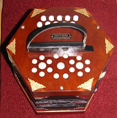 squeezebox, made in GDR (rabinal) Tags: reed made instrument gdr concertina squeezebox
