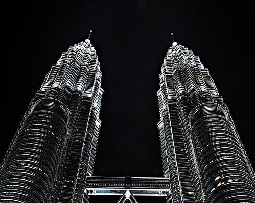 フリー写真素材, 建築・建造物, 高層ビル, 夜景, マレーシア, ペトロナスツインタワー,