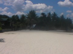 Walking on the beach at Port Barton, Philippines (This World Rocks) Tags: trip vacation beach video southeastasia philippines sanyo palawan waterproofcamera portbarton sanyoxacti sanyoxactivpce2 waterproofcamcorder