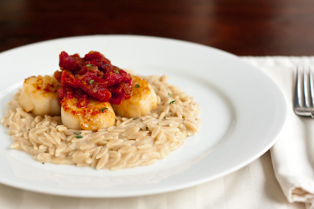 Scallops with Sun Dried Tomatoes and Goat Cheese Orzotto