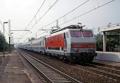 FS E444R 061 (maurizio messa) Tags: railroad railway trains bahn lombardia tartaruga mau ferrovia treni e444r yashicafxd