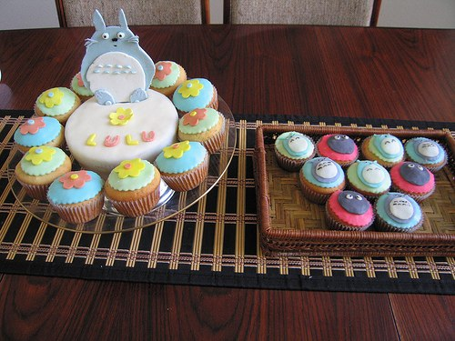 Totoro cake, cupcakes