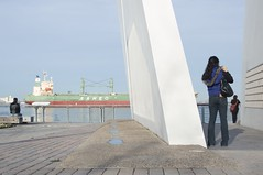 Sofia Koutsenko_13 (NewNewYork2010) Tags: waterfront streetlife neighborhoodstatenisland neighborhoodstatenislandstgeorge photographersofiakoutsenko geo:lat=40646683 geo:lon=74076462