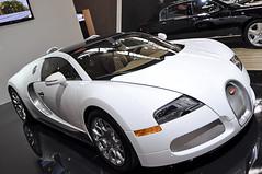 Bugatti Veyron 16.4 Grand Sport (carlos_seo) Tags: show sports car digital photo nikon image picture tokina international 28 paulo sao bugatti supercar 2010 veyron d90 1116 salaodoautomovel