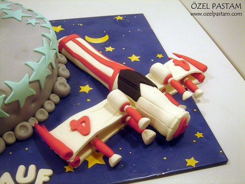 Mehmet Rauf'un Astronot Pastası / Astronaut Cake