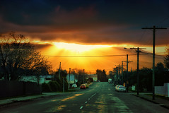 Bound for Glory (Kevin_Jeffries) Tags: sunburst street road glorious light golden d7100 urban kevinjeffries nature nikon nikkor july sky sunrays sunset newzealand