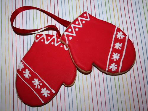 red suga mittin cookies