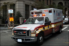 NY2009 - 1414 - FDNY Ambulance (Πichael C.) Tags: voyage new york city trip morning people usa ny newyork streets america fire vacances october holidays day traffic 10 manhattan district united 4 jour ambulance vehicles tuesday vehicle states 20 emergency circulation financial fdny rues mardi 2009 department ville unis octobre matin urgence quartier avenues amérique etats affaires