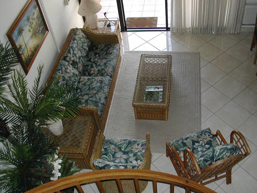 Kamaole Sands 8-407 Living Area