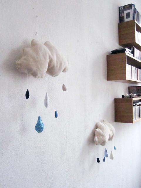 Wolken Mobile mit Tropfen