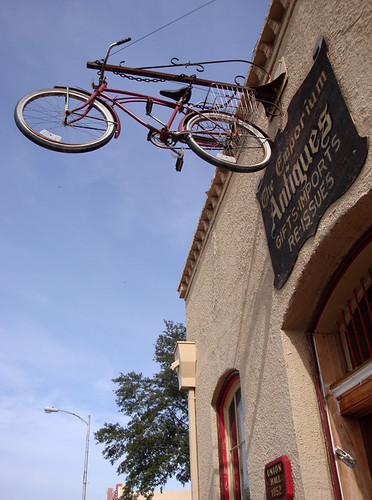 Bastrop_UnionHall_bicycle2