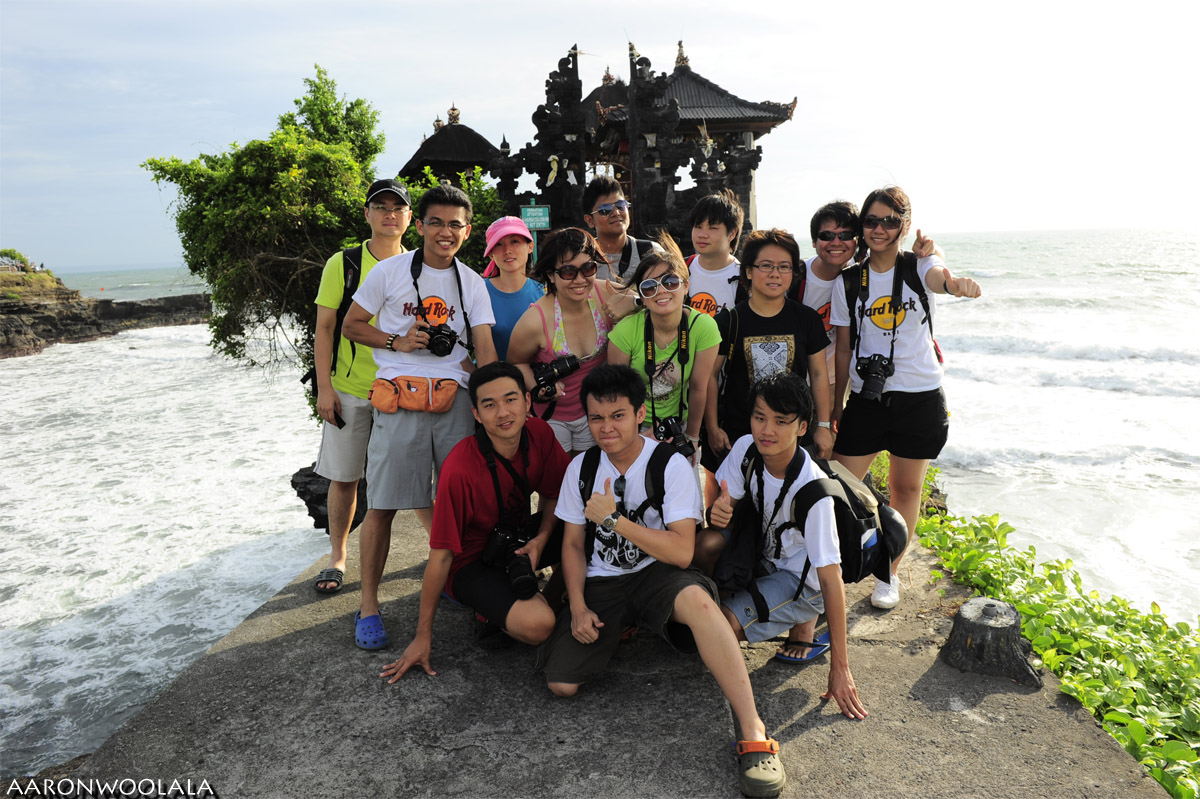 Group Pic at Tanah Lot