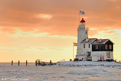 Lighthouse Paard van Marken - The Netherlands (Nielsast) Tags: winter sunset lighthouse snow holland ice netherlands sneeuw nederland vuurtoren marken landschap landscap ijs d300 zonopkomst provincienoordholland niknn