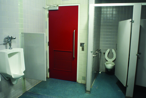 Jan21_Cory Popp_Living_Worst Bathrooms2