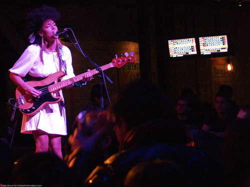 01.31.10 Earl Greyhound @ Brooklyn Bowl (9)