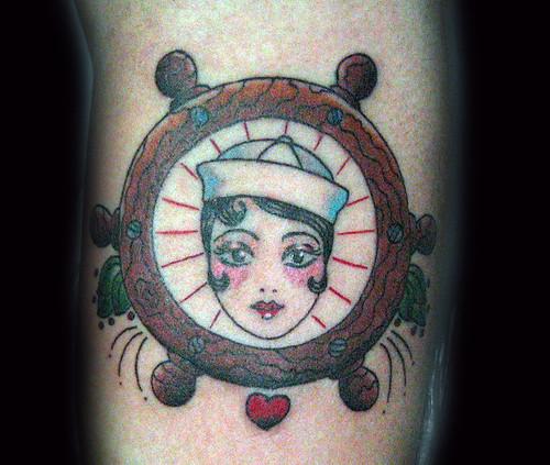 Tatuaje old school Pupa Tattoo Granada