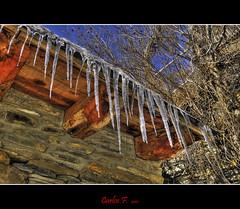 Ice on the roof (Carlos F1) Tags: wood house cold ice photoshop casa high madera nikon dynamic pal range frio hielo hdr andorra d300 estalactitas photomatix tonemapping tonemap flickraward