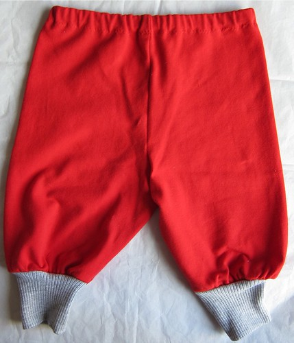 "Red baby pants! (Ottobre Design  ""Anis"" jersey pants)"