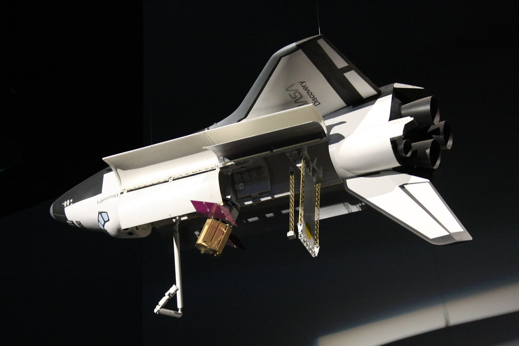 Space Shuttle Discovery Model