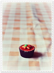 i♥cupcakes (Ariadna Bach) Tags: nikon candy sweet chocolate pastel cupcake bonbon dulce bombon f3556 66mm 18105mm d5000