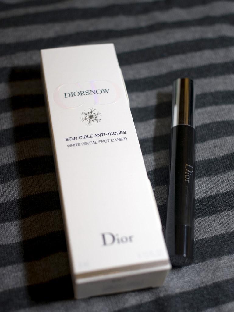dior diorsnow spot eraser