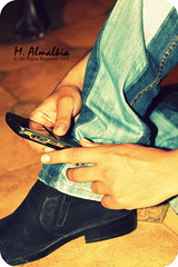 ( anG!L ) Tags: mobile shoes blackberry jeans nasser canon50d bold9000 ef50mmf14usmstandard