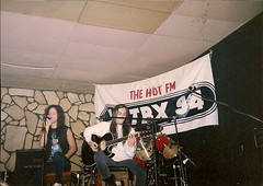 04/01/91 Gary Cherone & Nuno Bettencourt perform at the Sawmill Inn Lounge in Grand Rapids, MN