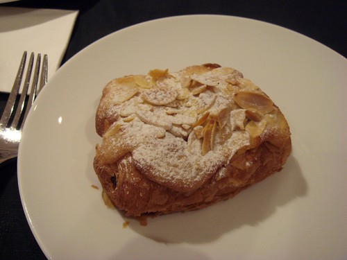 Almond croissant@Robuchon Salon de The HK