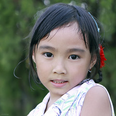 Pure eyes (-clicking-) Tags: girls portrait childhood children nice eyes child faces lovely pure visage vietnamesechildren vietnamesegirls pureeyes