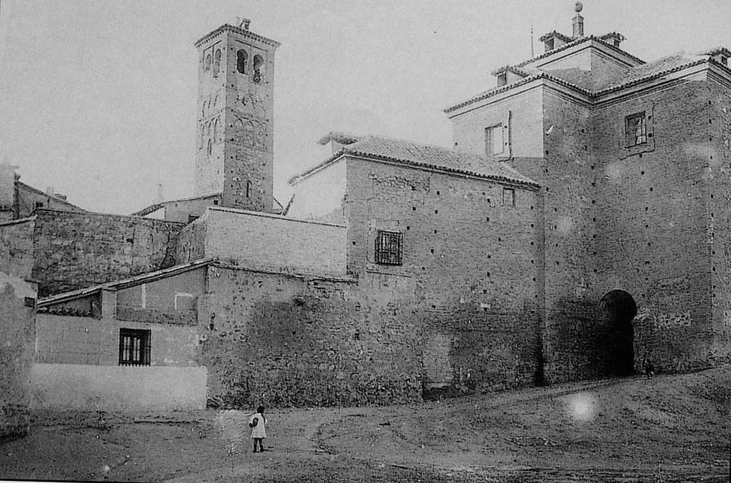 Iglesia de San Miguel a inicios del siglo XX. Foto Villalba