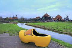 Holland (Kenny Teo (zoompict)) Tags: bridge reflection tourism water beautiful canon river landscape photo scenery photographer kenny bestphotographer zoompict