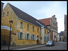 Anklam Gaststätte Döbers und gotisches Giebelhaus an der Marienkirche