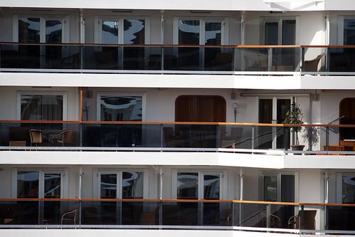 Oosterdam - Balconies