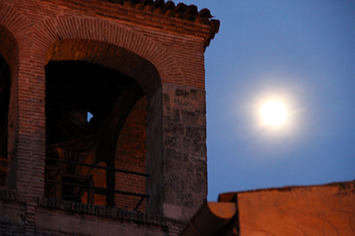 moon-over-segovia
