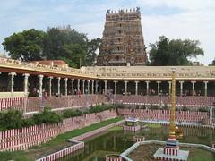 Meenakshi Temple (5) (golden road) Tags: india temple madurai tamilnadu kulam meenakshi goldenlotus meenakshiammantemple meenakshisundareswarartemple southindianimages minaksi porthamarai