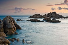 Pedras Negras (David GP) Tags: sunset water agua rocks galicia galiza puestadesol rocas postadesol auga rochas pedrasnegras