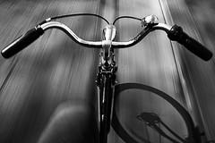 (22) - Lovely B. (Donato Buccella / sibemolle) Tags: street blackandwhite bw motion milan bike bicycle milano fast freehand kronan nohands bicicletta ridingabike canon400d loveforbike giornatanazionaledellabicicletta variluoghivariebicisemprelamiakronan unaphotostorydallabicicletta trannelultimasonotuttescattatedallabiciinmovimento fotografiaciclisticaestradale sensoresporcosporchissimo