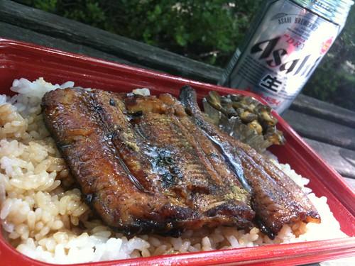 #hirusake 大井町三代目村上のサービス弁当と麦酒!